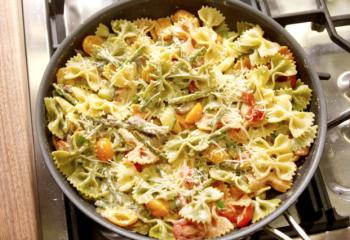Bowtie Primavera with Bowtie Pasta, Mushrooms, Asparagus & Zucchini